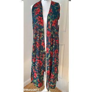 NWT!LulaRoe Joy Duster Vest Red & Green Poinsettia